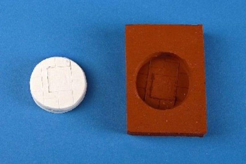 Zinngießform Base, Platten mit Schachtdeckel eckig