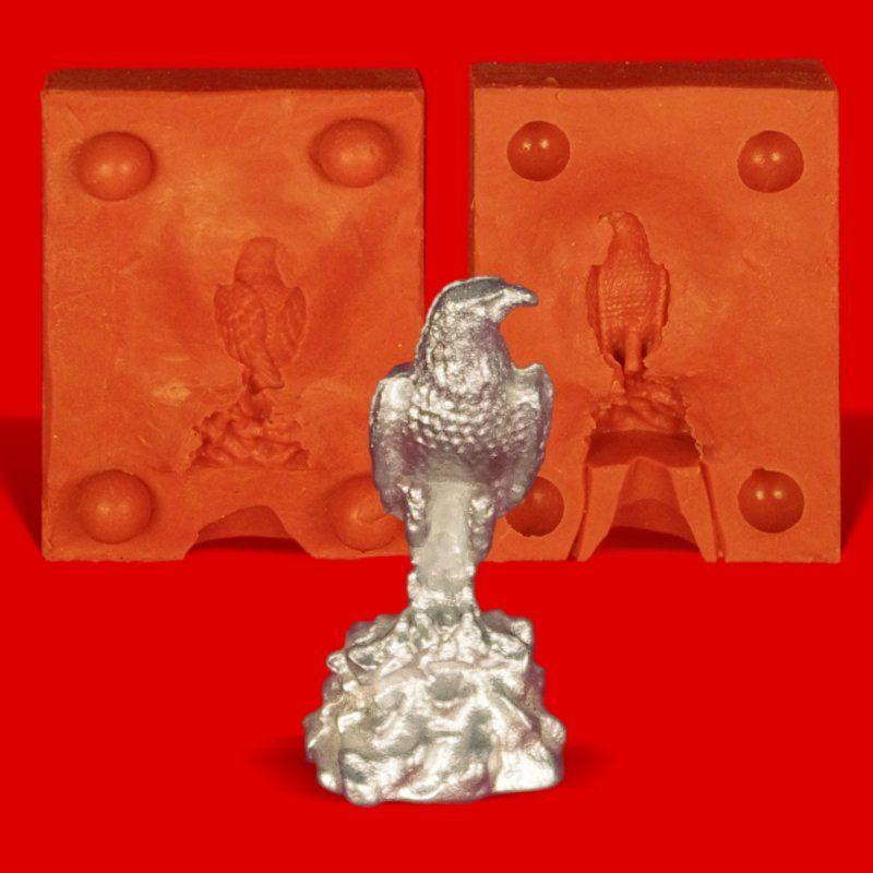 Zinngießform Kleiner Adler auf Fels, ca. 20g Reinzinn