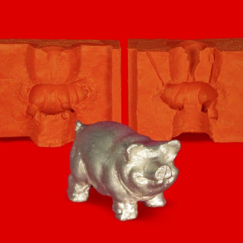 Zinngießform Ferkel stehend Glücksschwein, ca. 40g Reinzinn