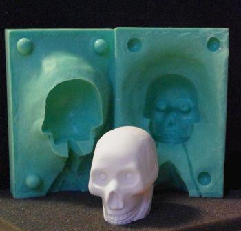 "Silikonform ""Totenkopf mittel"" 4cmx3,5cmx5,5cm"