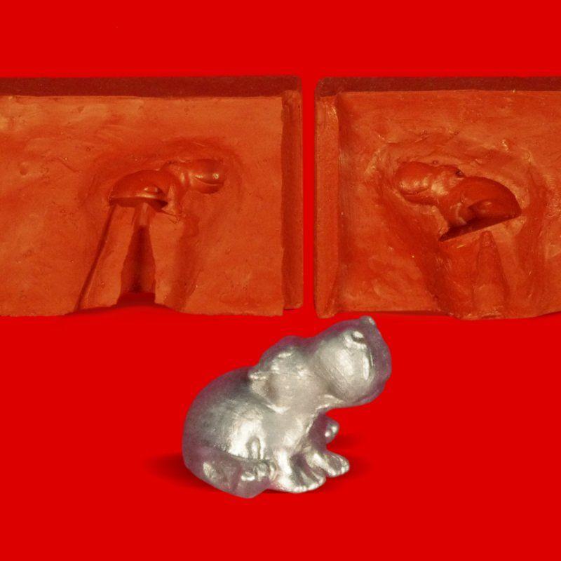 Zinngießform Kleines Nilpferd sitzend, ca. 16g Reinzinn