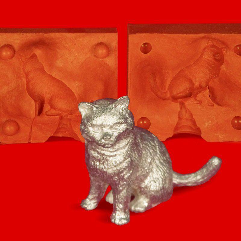 Zinngießform Katze sitzend, ca. 95g Reinzinn