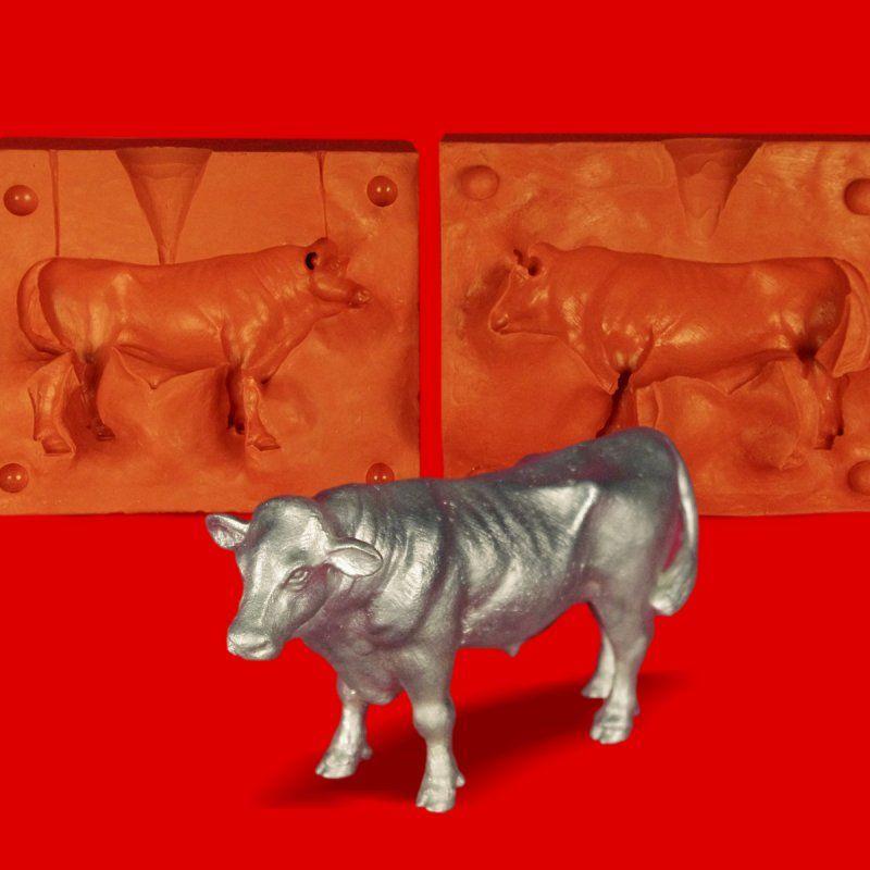Zinngießform Bulle Stier Ochse, ca. 870g Reinzinn