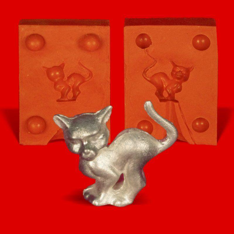 Zinngießform Katze mit Buckel Hexenkatze, ca. 15g Reinzinn